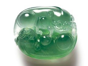 翡翠手镯真货闽籍珠宝商销售额约占全国一半上规模的约3000家