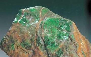 为什么新坑的出产的翡翠不如老坑?详解翡翠矿床与翡翠品质的关系