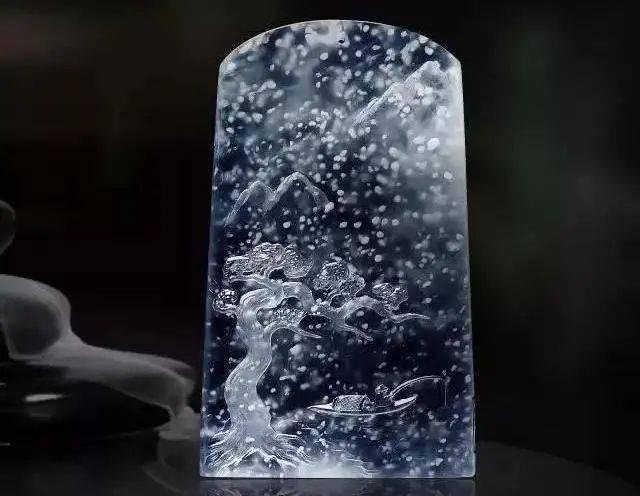 """飘花、落雪、洒金......翡翠里的天然""""画意"""",翡翠因它而美,也因它而贵!"""