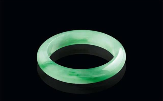 翡翠颜色详解,别在以为只有绿色的翡翠值钱了!