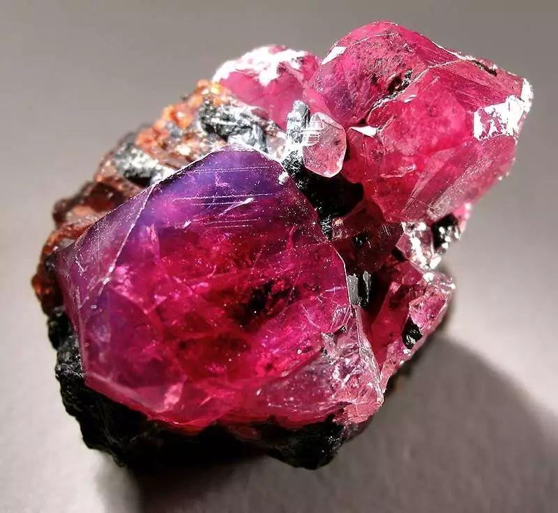 有哪些红宝石的选购技巧 红碧玺与红宝石的区别,在家怎么赚钱