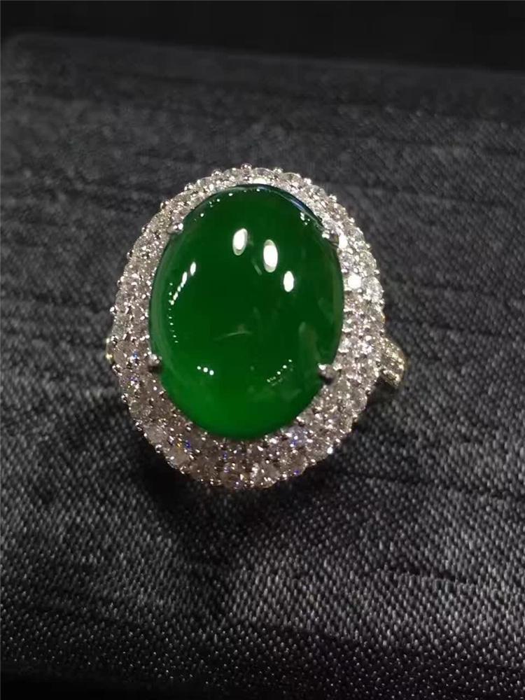 帝王绿翡翠戒指最贵的,不看就不知道一看了吓一跳!
