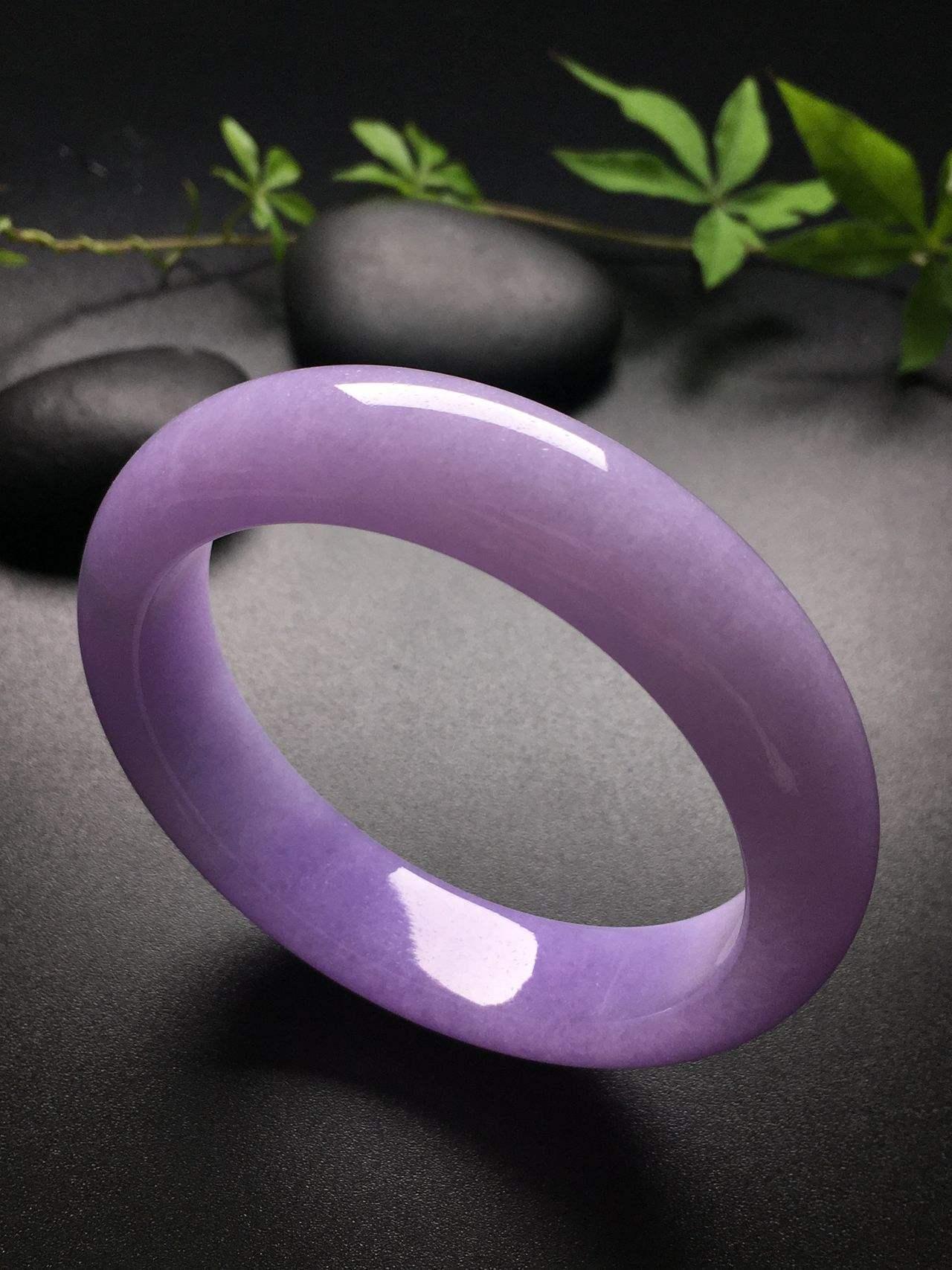 紫翡翠价格上面是有绿色 如果是瑕斑太暗