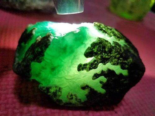 黄虎睛石的种类特征及其功效作用