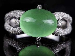 翡翠是受全世界人民喜爱的珠宝 大型翡翠摆件
